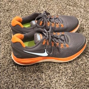 Women's Nike athletic shoes  size 8